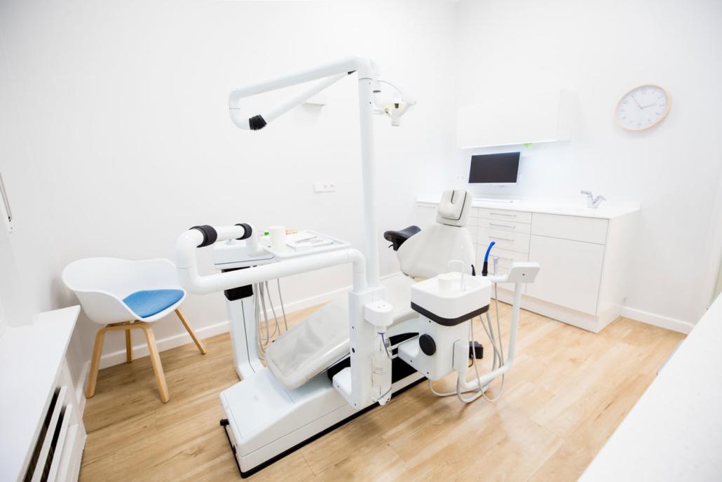 Behandlungszimmer – Zahnärzte Heckeroth in Berlin-Wannsee